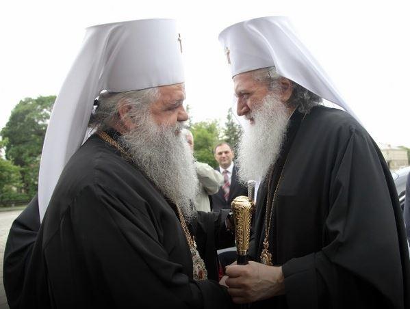 Църквата в БЮРМакедония: Труден пъзел за решаване