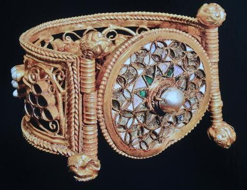 A gold bracelet with pearls of the 6th century AD in the Archaeological Museum of Varna