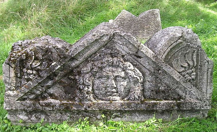 Фронтон от саркофаг с Горгона