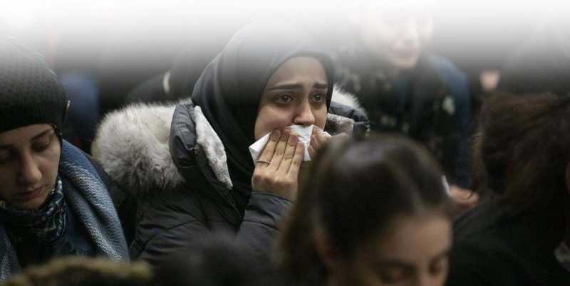 Членовете на иранската общност в Торонто присъстват на бдение, 8 януари 2020 г., за да скърбят за жертвите на полета PS752 на Международните авиолинии в Украйна